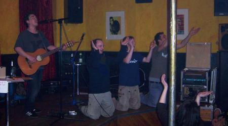 Der flotte Totte singt Zwerge, Fred Timm und Spieltrieb rocken dazu im Cafe Karo
